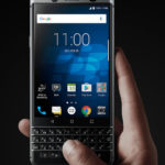 BlackBerry KEYoneとPrivスペック比較