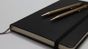 たった10分で1日を整理。日記、家計簿、タスク整理をする手順を紹介。